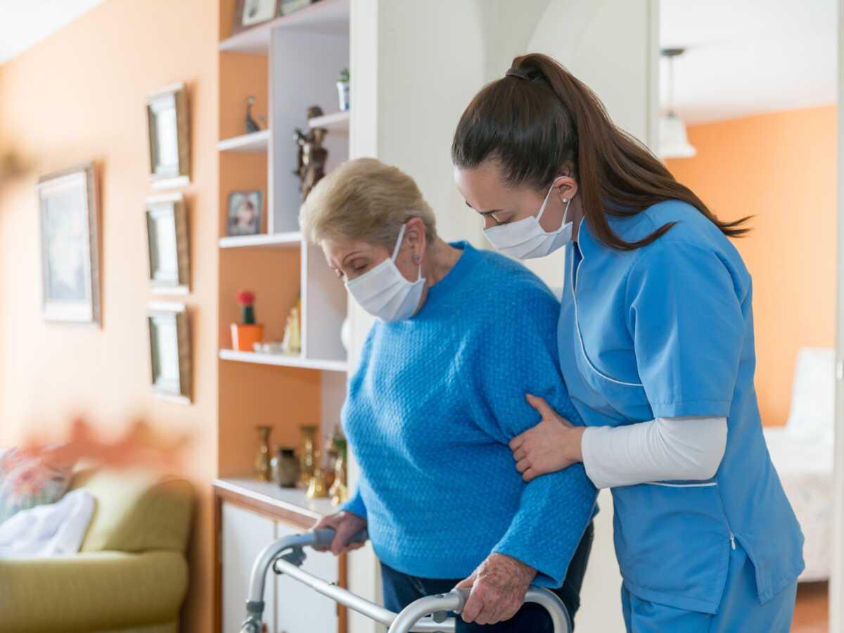 Budget de la Sécu : les mesures attendues pour le maintien à domicile des personnes âgées