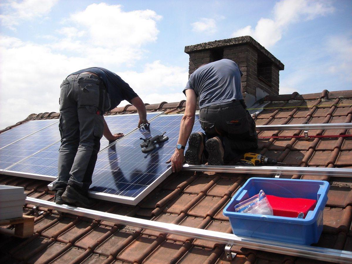 Panneaux solaires : quelle sanction pour un prêteur ayant versé trop tôt les fonds ?