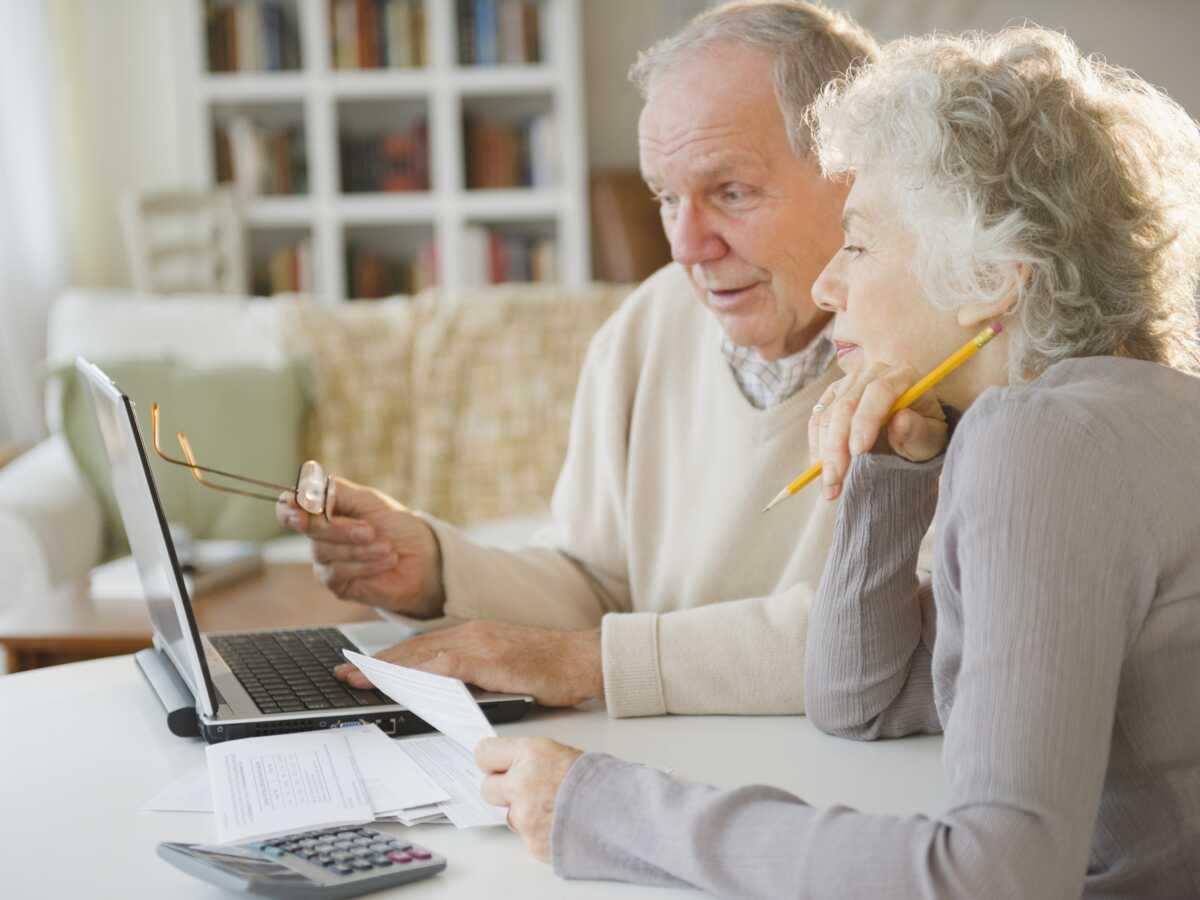 Retraités, avez-vous les moyens de vieillir à domicile ? Nos calculs, profil par profil